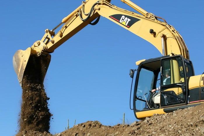 Ha szívesen dolgoznál építkezésen, akkor a Földmunka-, rakodó- és szállítógép kezelő OKJ-s tanfolyam Neked való!