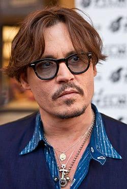 Johnny Depp telefonos eladó szakma