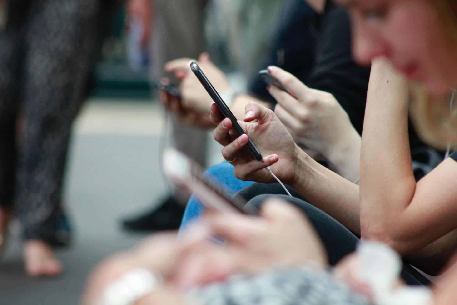 Közösségi média olvasás