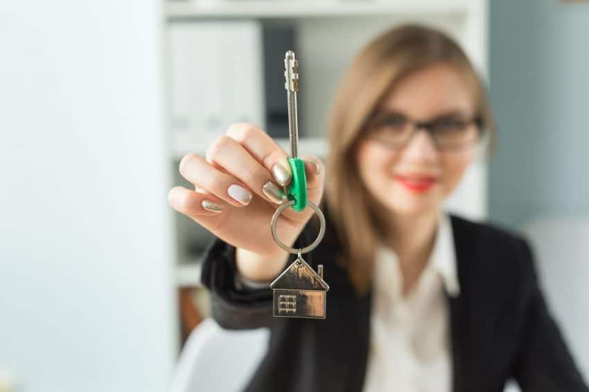ingatlanügynöki jutalék