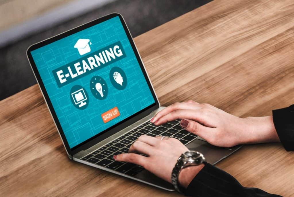 E-learning oktatás rugalmas