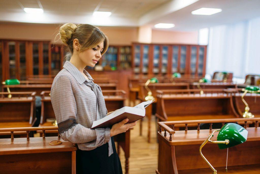 Segédkönyvtáros okj érettségi után
