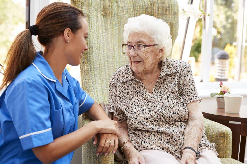 Szociális gondozó és ápoló - a jövő fontos humán szakmája