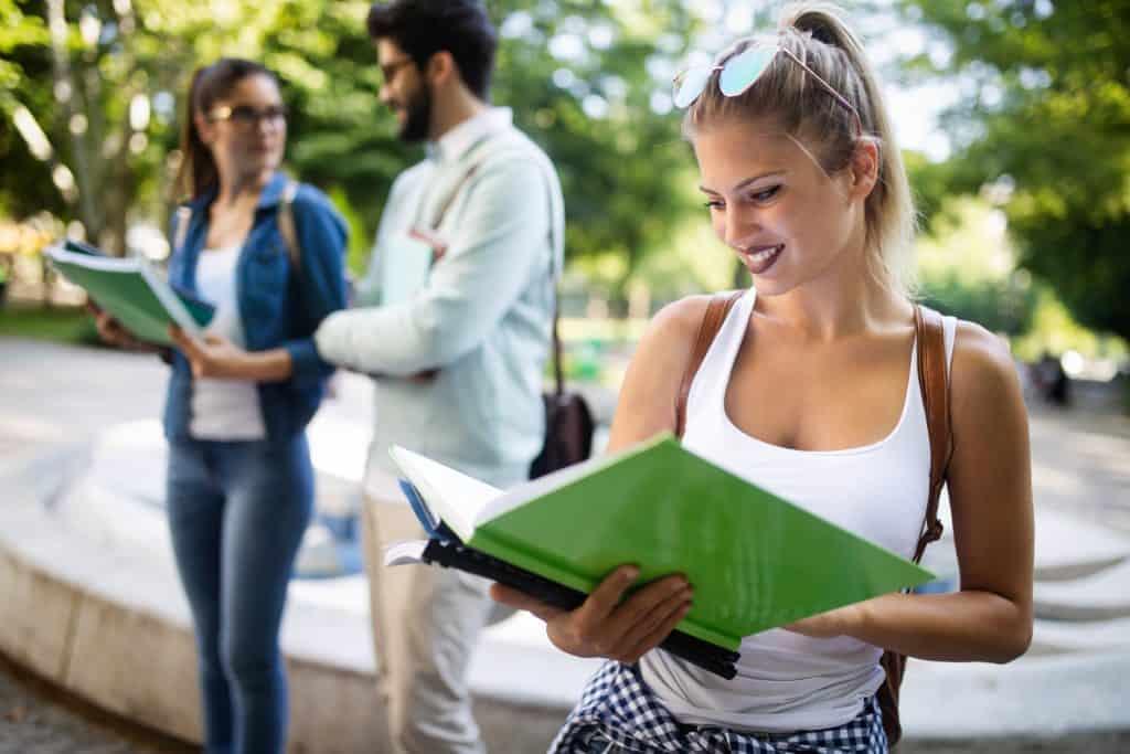 egyedül tanulás vs. csoportban tanulás