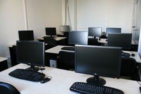 szakmai képzések, tanfolyamok profi eszközökkel és tanárokkal