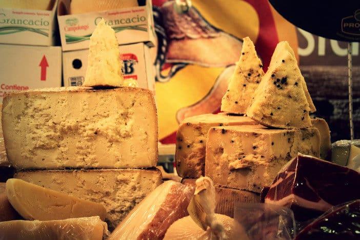 A sikeres vizsgák után elkészítheted a kedvenc sajtjaidat, olyan ízesítéssel, ahogy Te szeretnéd!
