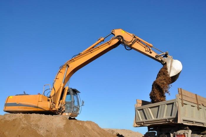Jelentkezz székesfehérvári Földmunka-, rakodó- és szállítógép kezelő OKJ-s tanfolyamunkra!