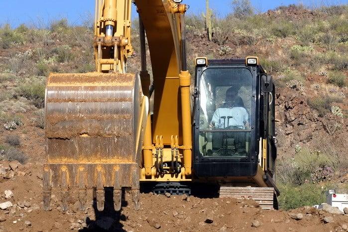 Ha szívesen dolgoznál építkezésen, akkor a Földmunka-, rakodó- és szállítógép kezelő OKJ tanfolyam Neked való!