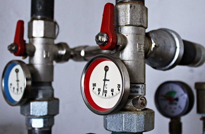 Ha szeretnéd kiépíteni a csőhálózatot, biztosítani a beüzemelés feltételeit, akkor a Központifűtés- és gázhálózat rendszerszerelő OKJ-s tanfolyam Neked való!
