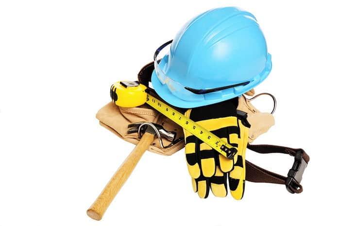 Ha egy olyan szakmát szeretnél kitanulni, amivel biztosan sok pénzt kereshetsz és elismerést szerezhetsz, akkor a Munkavédelmi technikus tanfolyam Neked való!