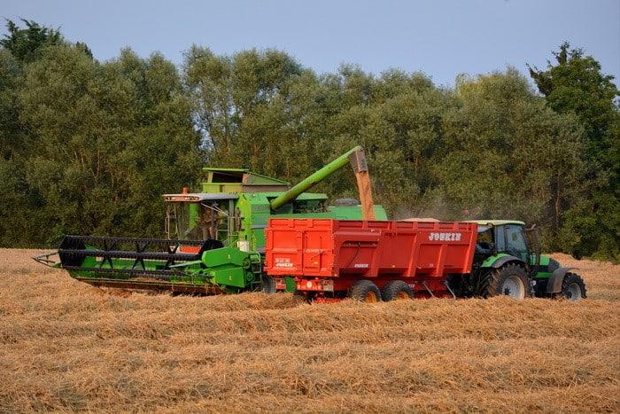 Ha szeretnéd karbantartani, üzemeltetni a mezőgazdasági erő- és munkagépeket, gépészeti berendezéseket, akkor a Mezőgazdasági gépész és Mezőgazdasági gépjavító OKJ-s tanfolyam Neked való!