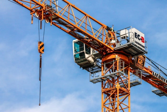 Érdekel az építőgépek kezelése? Akkor válaszd az Építő- és anyagmozgató gép kezelője (emelőgépkezelő (kivéve targonca)) tanfolyamot!