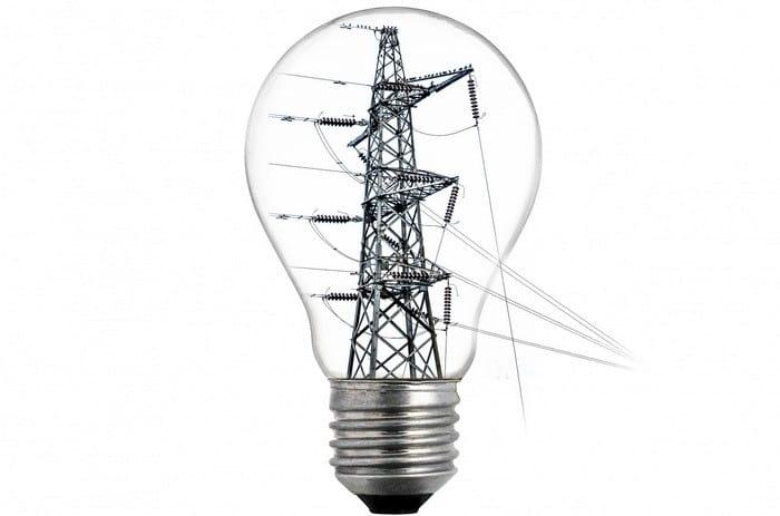 Ha érdekel a villamosság és a szerelés, akkor válaszd a pécsi OKJ-s Villamos hálózat kezelő tanfolyamot!