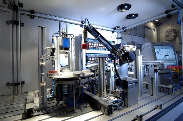 Ha szeretnél a gépiparban dolgozni, akkor a CAD/CAM és CNC programozó tanfolyam Neked való!