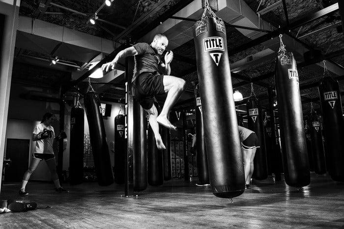 Ha szeretnéd a kick-box mozgásformáit szakszerűen bemutatni, elemezni, eredményesen oktatni, akkor a Sportoktató (kick-box) OKJ-s tanfolyam Neked való!