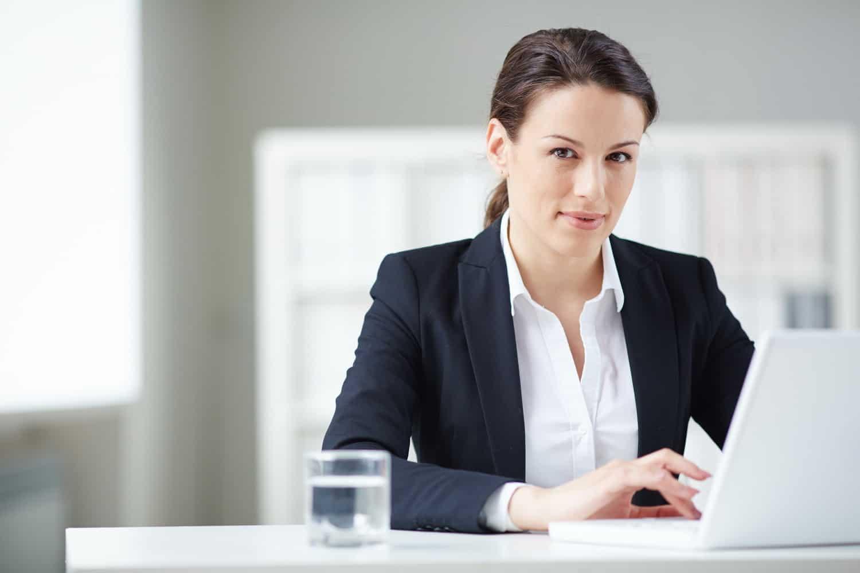 Ha szívesen segédkeznél új vállalkozások indulásában, akkor válaszd a Pénzügyi-számviteli ügyintéző OKJ-s tanfolyamot!