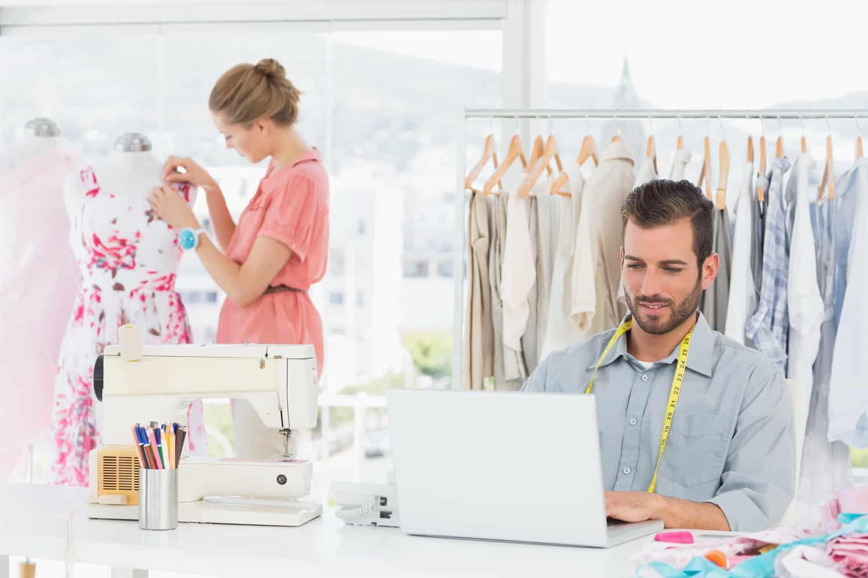 Mindig is ruhákat akartál tervezni és készíteni, akkor válaszd a Budapesten induló ingyenes nappali tagozatos Női szabó OKJ-s tanfolyamot!